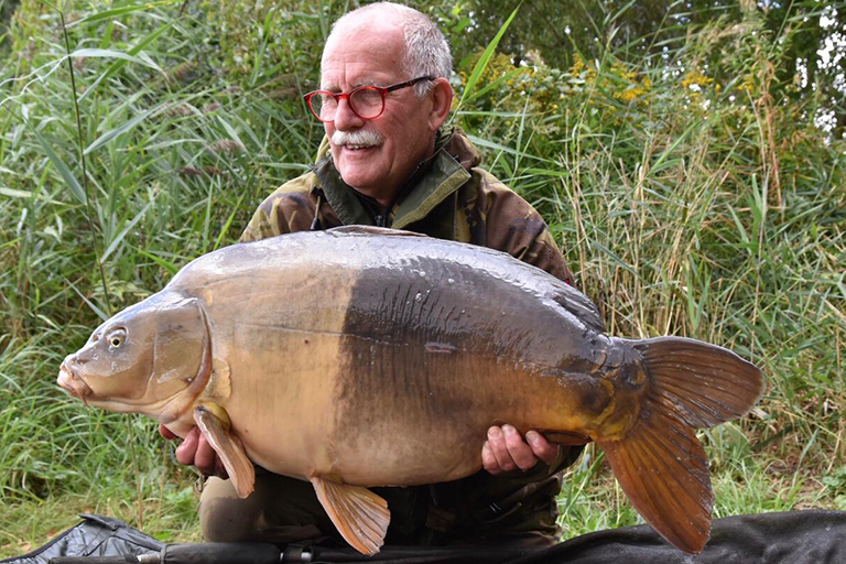 CarpFarm Lake Two Tone beauty
